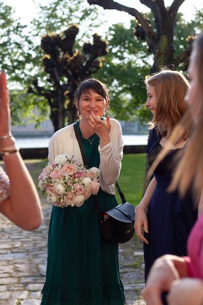 Lancer bouquet invitée mariage Nancy