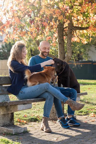 Séance photo en famille couple et animal de compagnie Lunéville automne